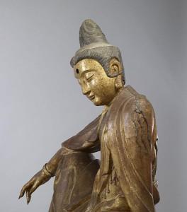 527px-Chinese_-_Seated_Guanyin_(Kuan-yin)_Bodhisattva_-_Walters_25256_-_Detail_E